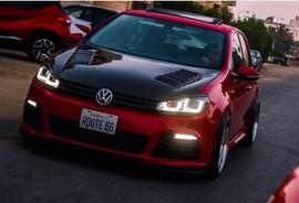 VW Golf 6 Фары в стиле Golf 7 GTI с красной полосой
