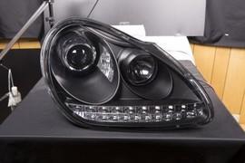 Porsche Cayenne 02-06 Фары Devil eyes с светодиодным поворотником черные